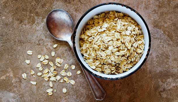 Oat is a healthy food that lower cholesterol level naturally