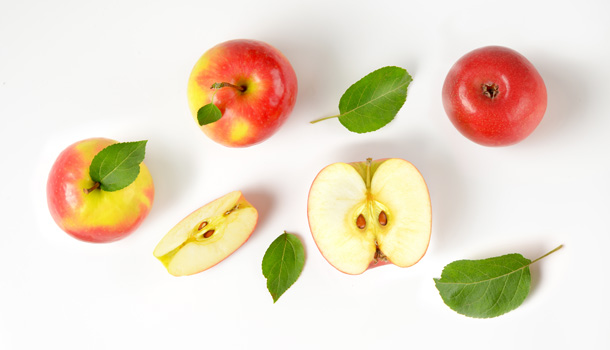 Fruits is a healthy food that lower cholesterol level naturally